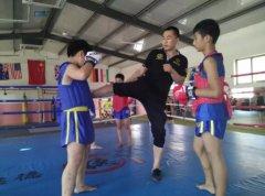 男生女生学跆拳道好